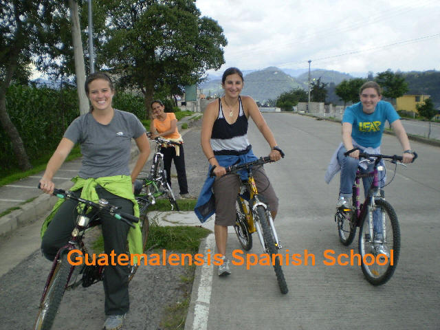 Guatemalensis Spanish School gives you the opportunity of participate in many outdoor activities, in this form you practice tourism, sport, the language, and get to know the countryside of Quetzaltenango, our city.