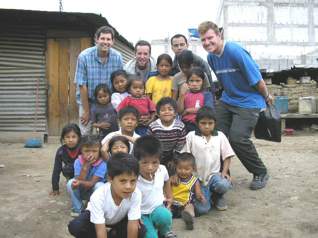 There are a lot of opportunities for make volunteer work in Guatemala, Guatemalensis Spanish School can put you in contact with many projects.
