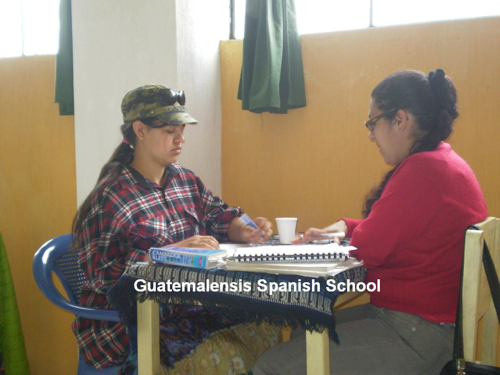 An advanced student, writing at the Guatemalensis Spanish School program.
